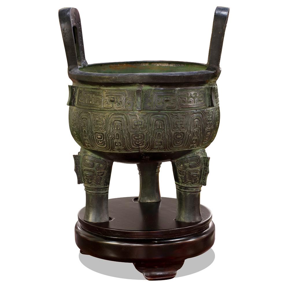 Bronze Patina Ding with Geometrical Design