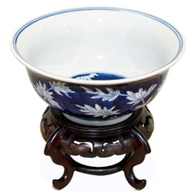 Blue and White Petite Tropical Branches Motif Porcelain Bowl