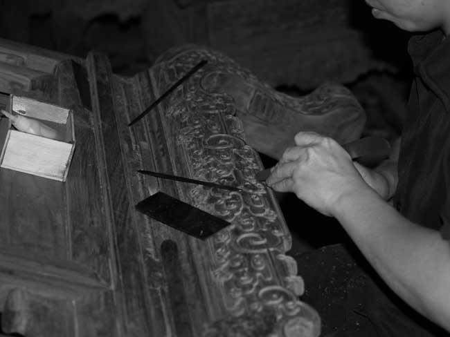traditional chinese wood carving technique